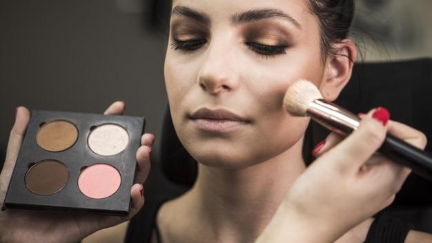 como fazer maquiagem simples
