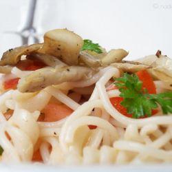 Nudelsalat mit Austernpilzen