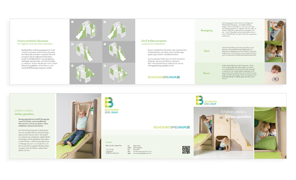 Corporate Design- Möbel - Kindergarten - Bewegungsspielraum - Flyer - Broschüre aufgeklappt