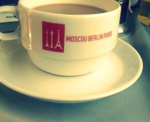 Hilft beim Welten-Wechseln: Der Zug Paris-Moskva