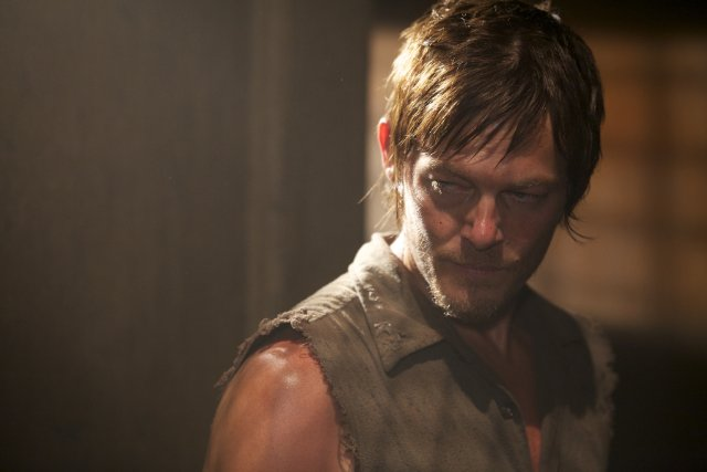 b126a-the-walking-dead-hounded-2