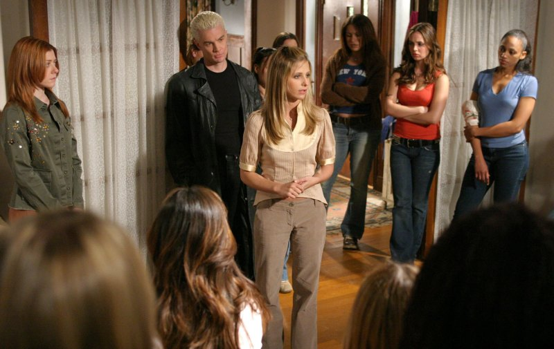 d63a1-buffy-the-vampire-slayer-screenshots-of-season-6-season-7-adwbuffy-16275933-1584-1000