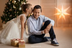 sister-brother-portrait-christmas-photo-studio-riga