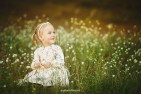 child-photographer-riga-spring-nature2