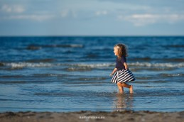child-photographer-sea-latvia