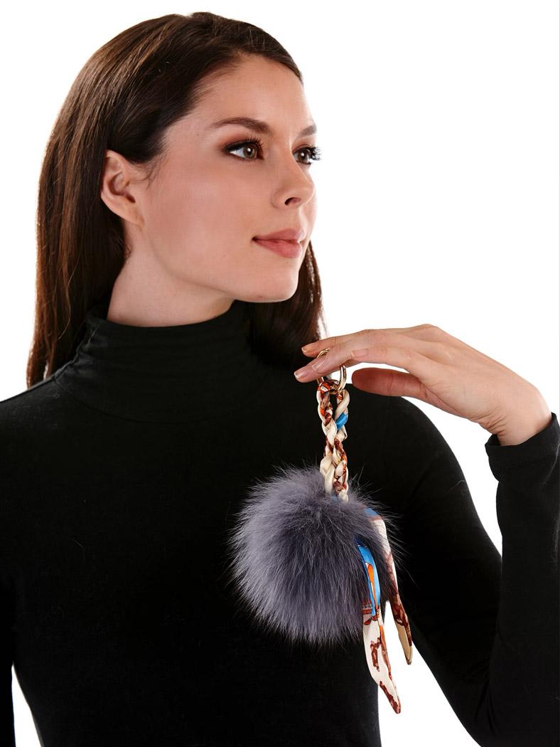 fashion e-commerce natural makeup artist