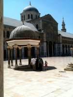 Das Brunnenhaus im Innenhof der Umayyaden-Moschee in Damaskus.