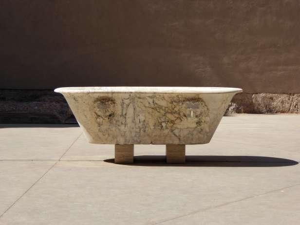 Badewanne mit Löwenköpfen in den Diokletiansthermen