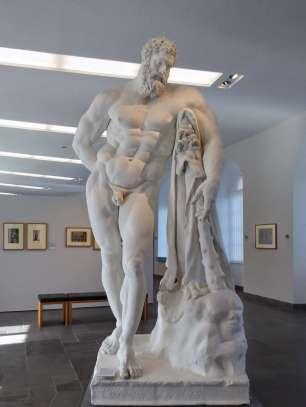 Herkules Farnese - Gipsabguss. Halbgott, Held und populäres Motiv zahlreicher antiker Darstellungen
