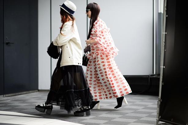 04-fashion-week-tokyo-street-style-fall-2015-15