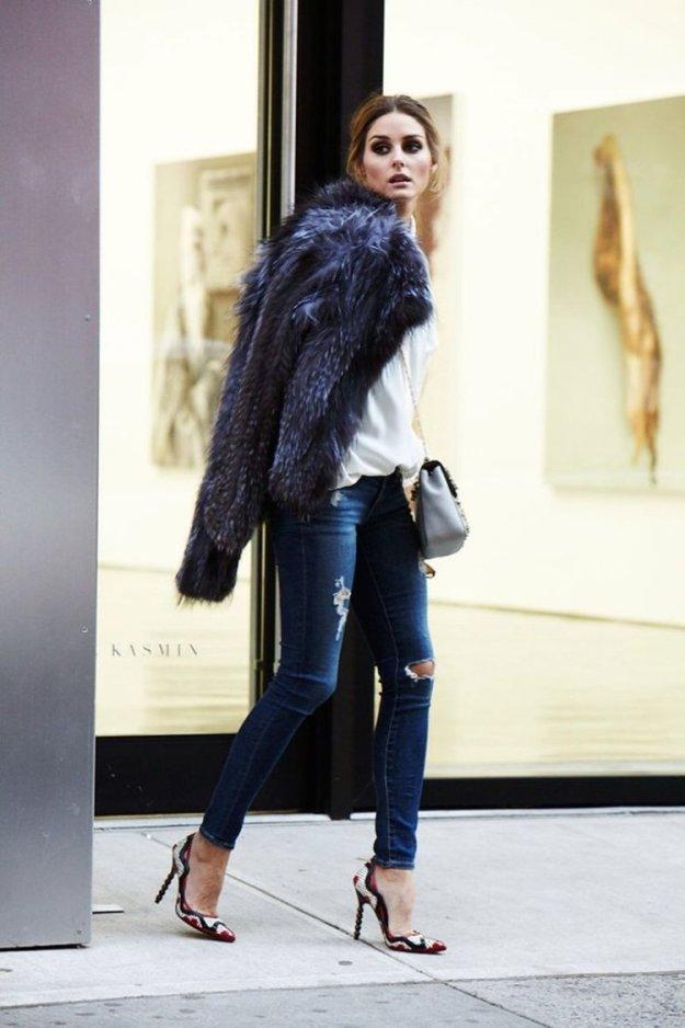 zerrissene-jeans-outfit-skinny-jeans-pumps-pelzmantel