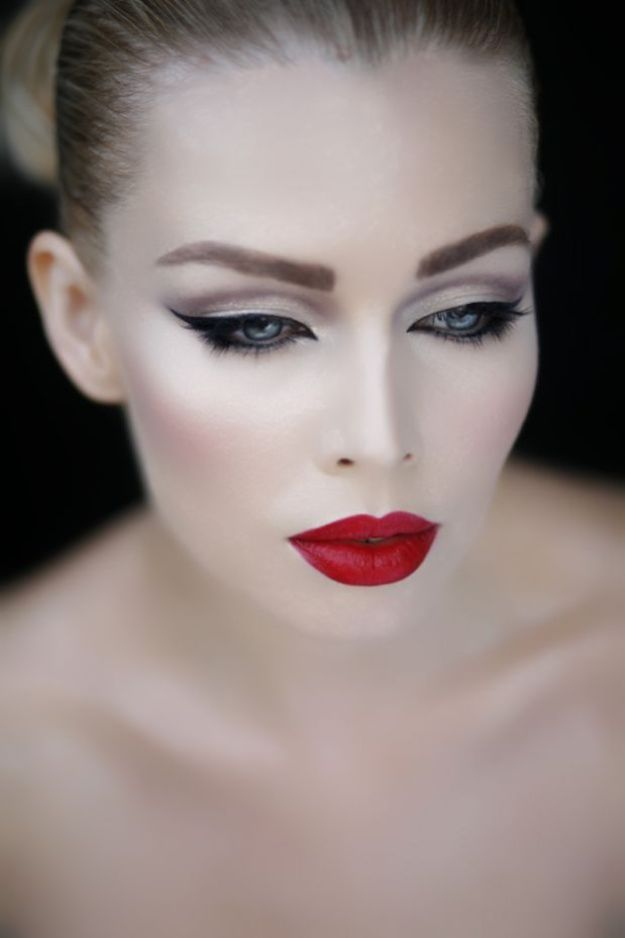 25-glamorous-makeup-ideas-with-red-lipstick-17