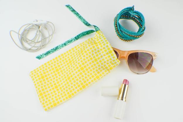 5-minute-diy-sunglasses-case