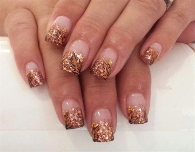 Golden-glitter-fall-nail-art