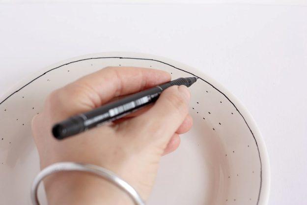 diy-hand-drawn-plate-line-1