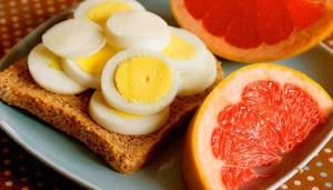 Яйца с цитрусом