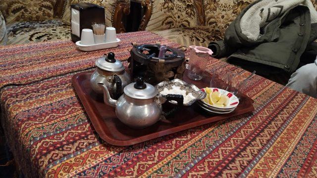 tarihi erzurum evlerinde çay servisi