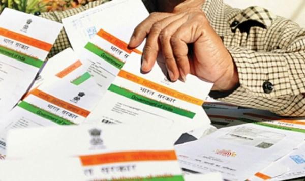 SC extends March 31 deadline for Aadhaar linkages