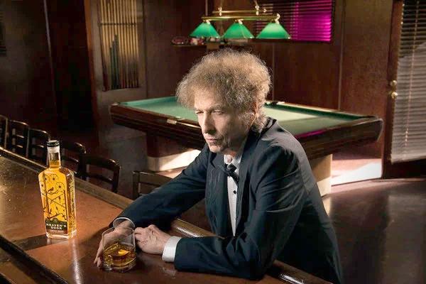 Dylan's latest gig: making whiskey