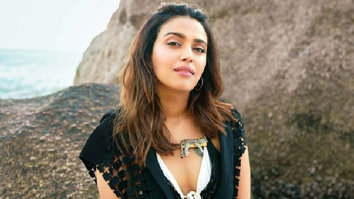 Complaint against Swara Bhasker for using swear words