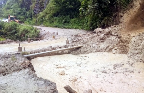 Kohima-Imphal NH 2 opens  for light vehicle
