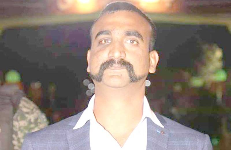 IAF hero Abhinandan returns  home from Pakistan