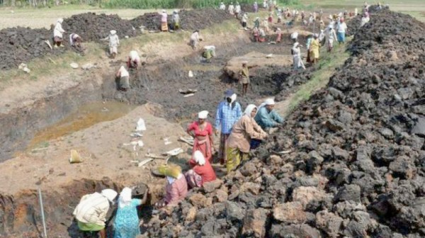 Budget 2019: Govt faces hard choice of 9% growth or 2% decline on MGNREGA