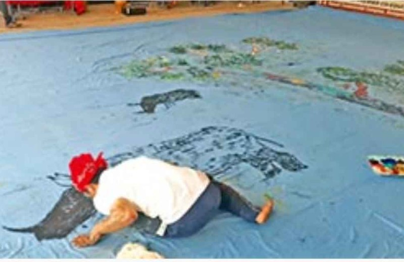 Artist's world record bid with huge painting