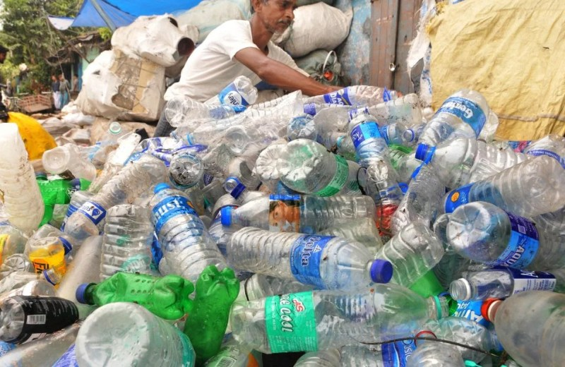 Food ministry to ban single-use plastic bottles from Sept 15