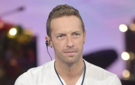 Coldplay's Chris Martin 'struggled with homophobia'