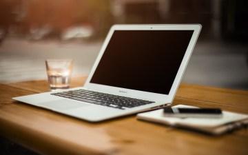 フリーライター永瀬なみが使用するパソコンのイメージ