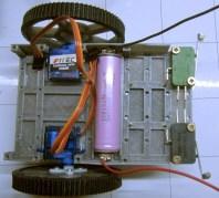 châssis de R.Ian assemblé avec les roues, moteurs, la batterie et les contacteurs.