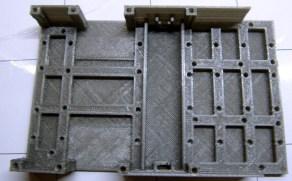 châssis de R.Ian en PLA gris. Il s'agit de la version à servomoteurs.