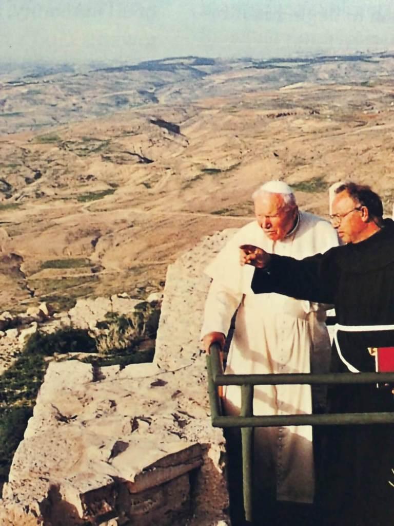 Papież Jan Paweł II na górze Nebo w Jordanii.