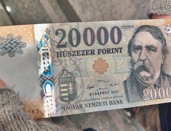 Węgierski banknot o nominale 2000 forintów.