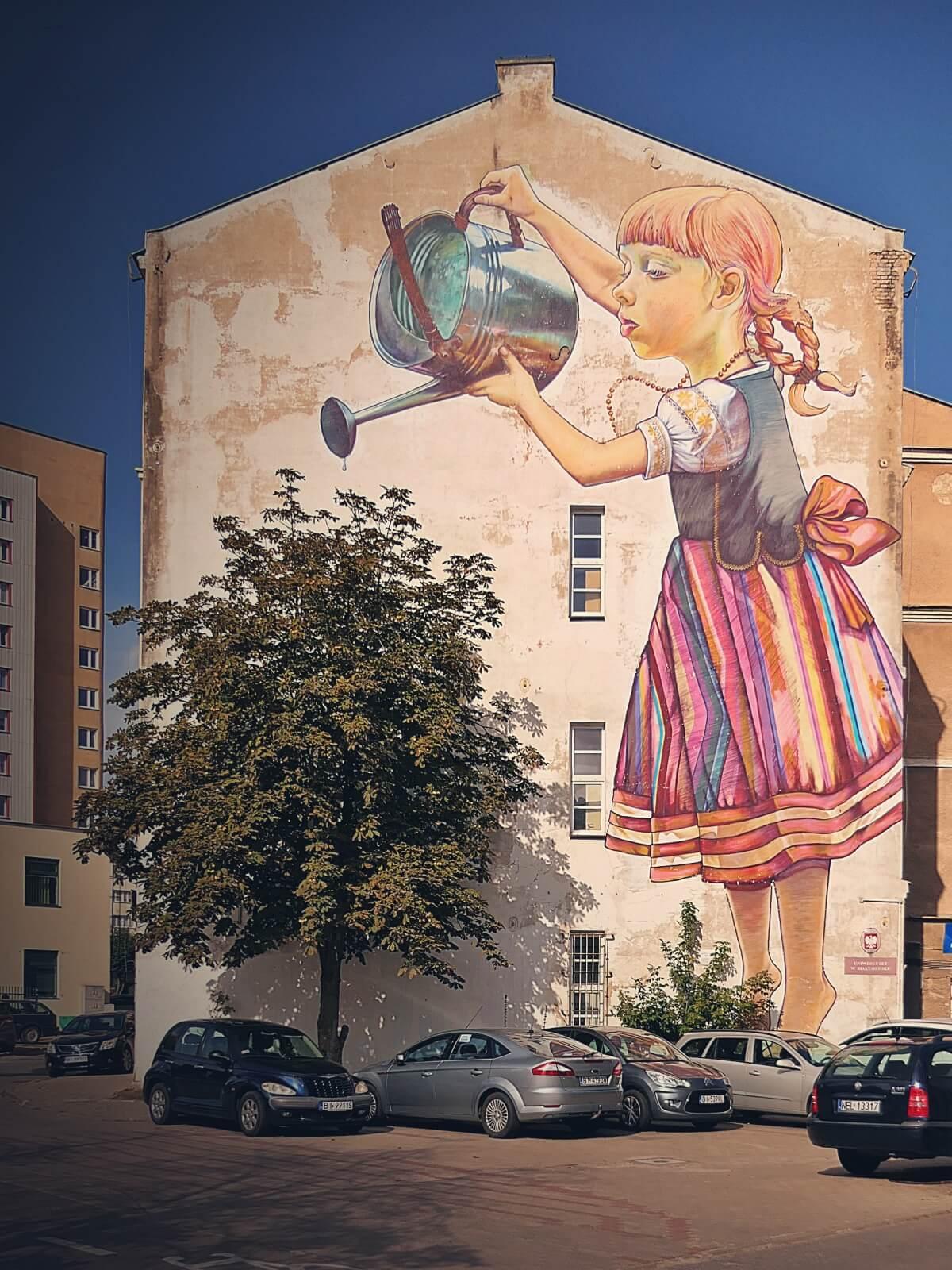 Najsłynniejszy polski mural - Dziewczynka z konewką.