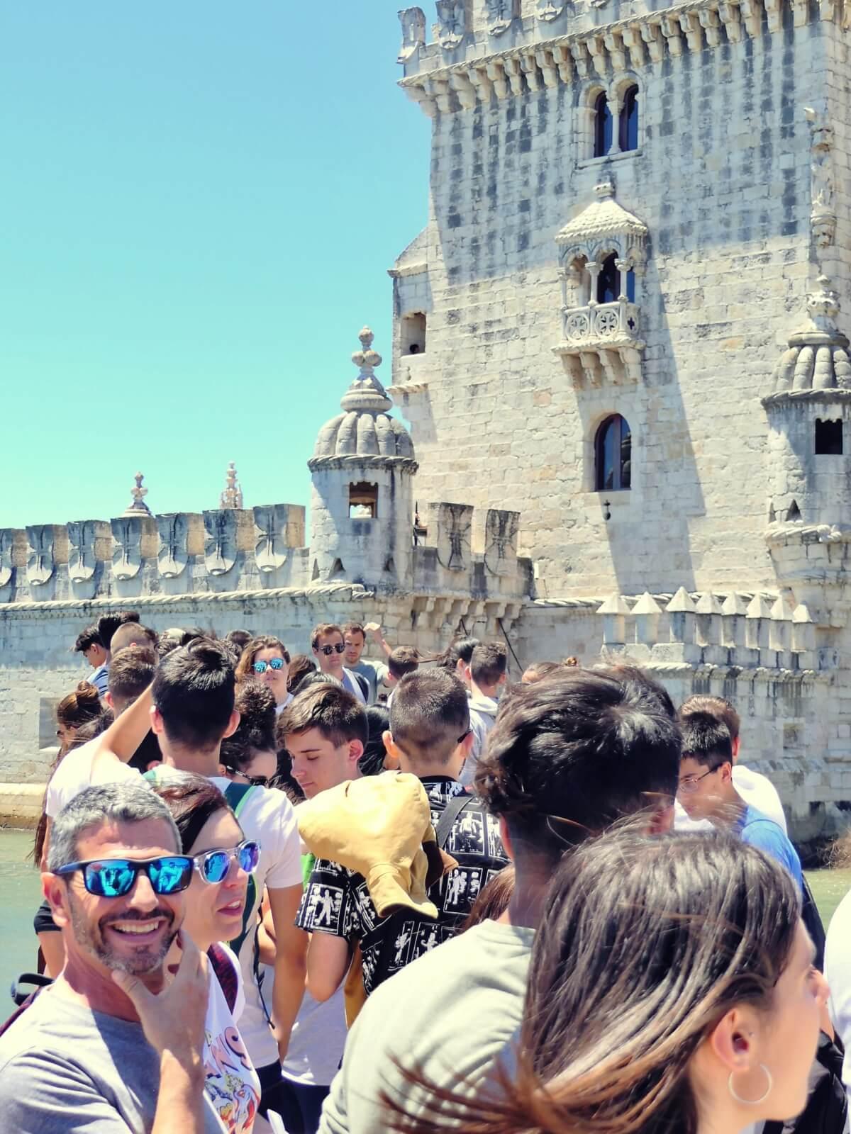 Kolejka do wieży Belem w Lizbonie.