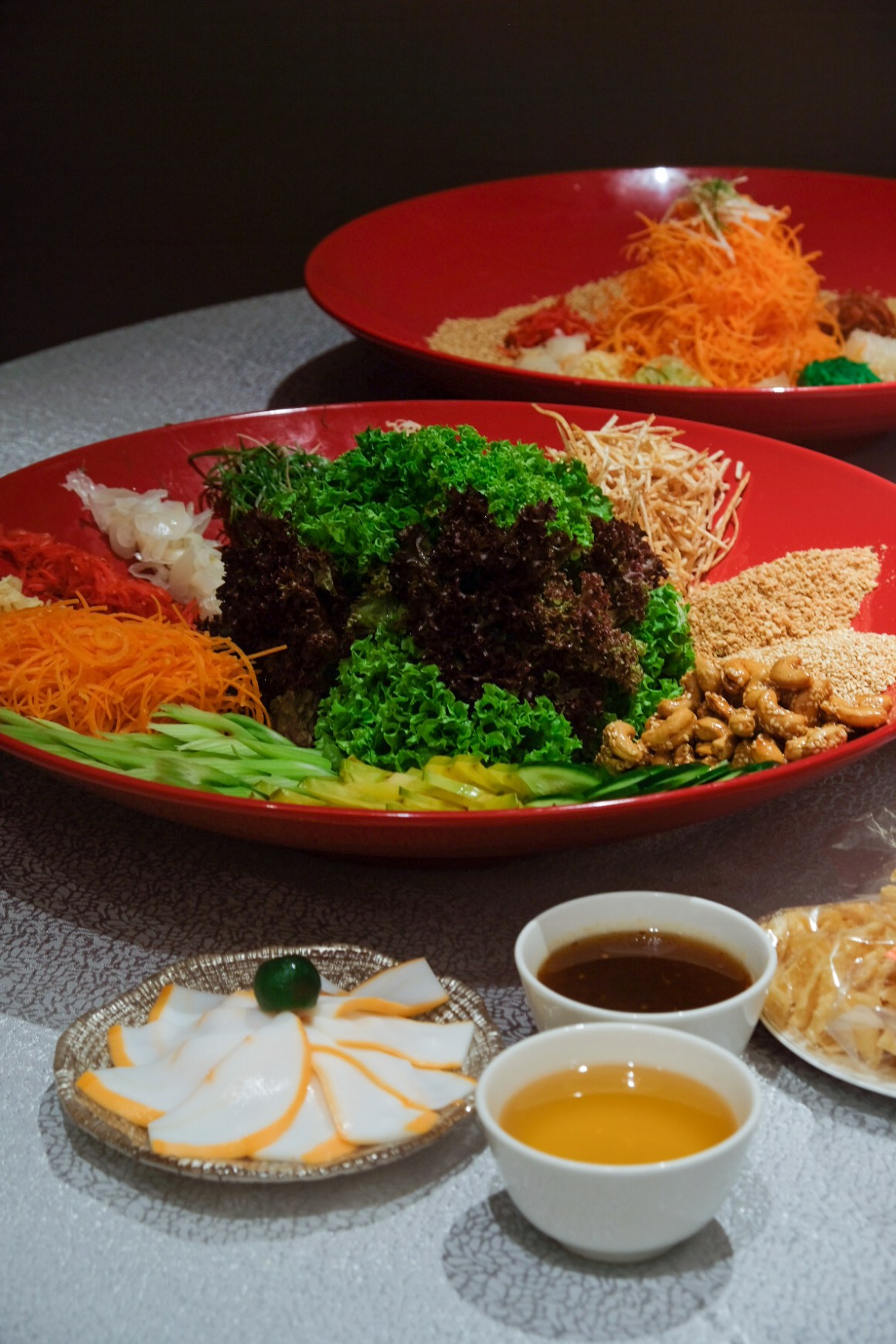Usher 2020 Lunar New Year With Delectable Dining Options - Teochew-style Yu Sheng ($68/5pax; $138/10pax)