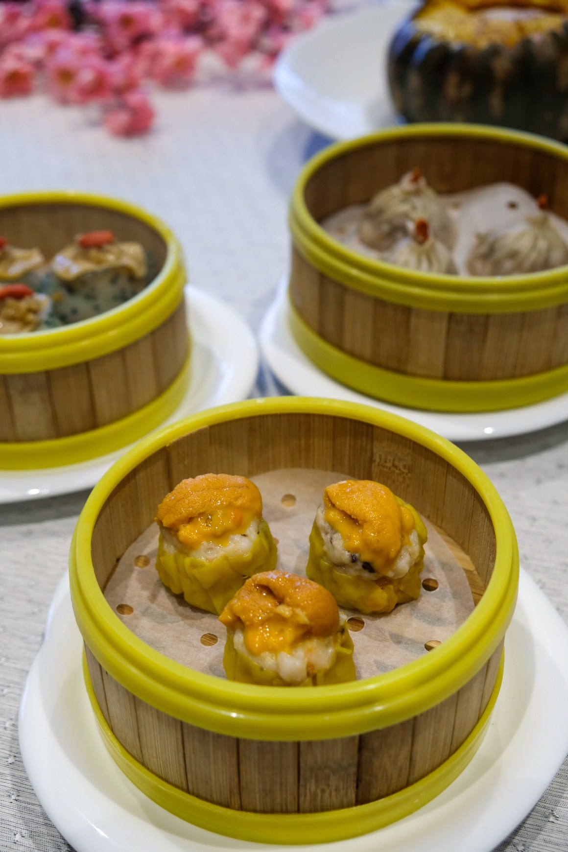 Peach Garden Oishi Flavours of Japan - Steamed Siew Mai with Sea Urchin 海胆烧卖 ($8.80++)