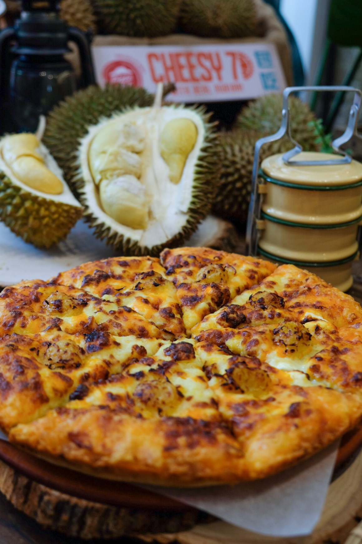 Cheesy 7 Durian Pizza
