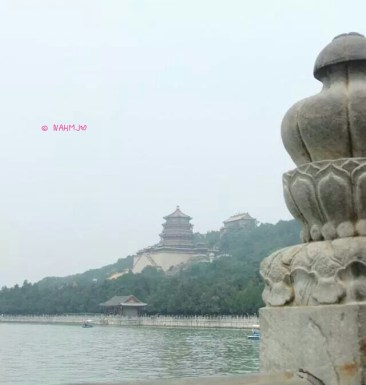 Kunming Lake seeing the temple
