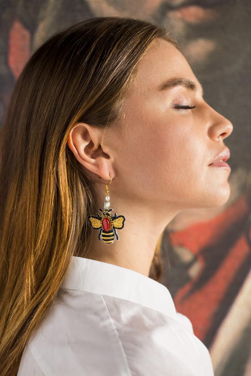 Boucles d'oreilles abeille Royan | Rouge | Photo 1