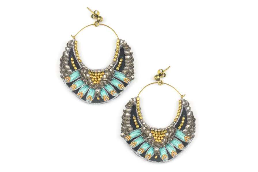 Boucles d'oreilles brodées Nida | Turquoise | Photo 2