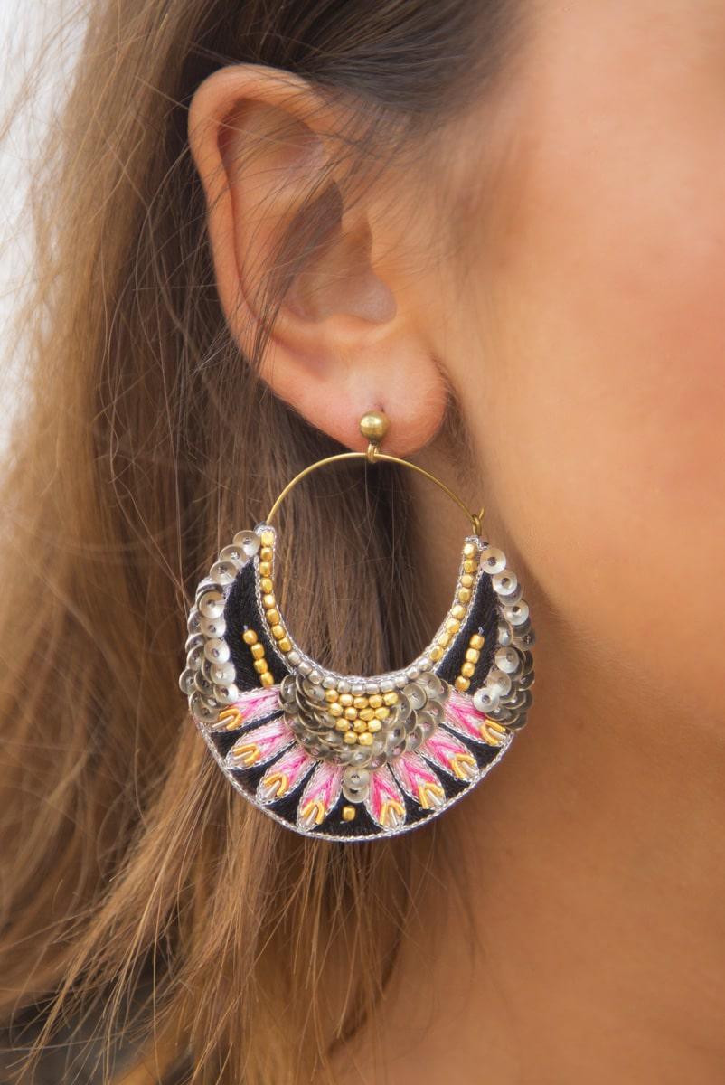 Boucles d'oreilles brodées Nida | Pink | Photo 1