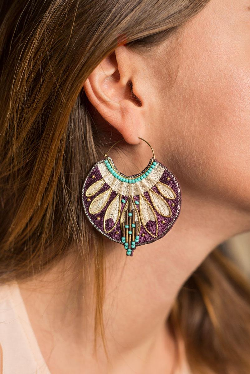 Boucles d'oreilles ethniques Apie | Purple/Mastic | Photo 1