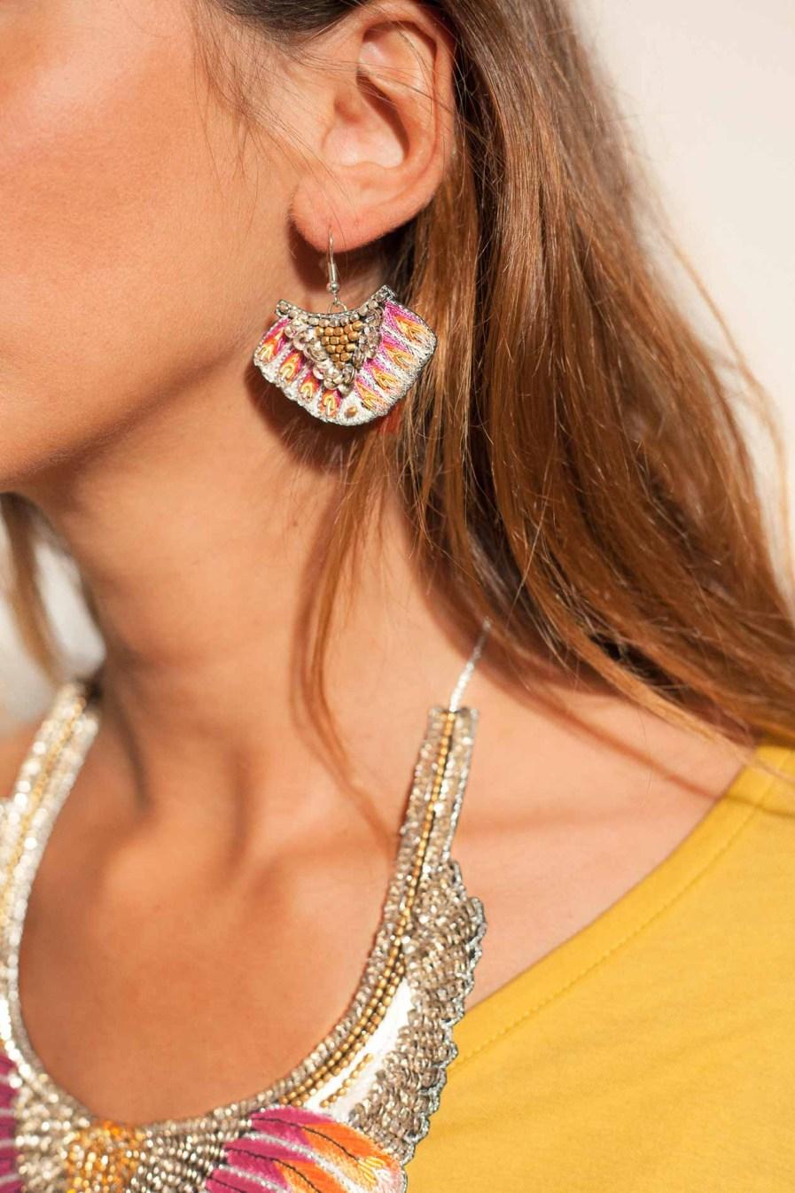 Boucles d'oreilles ethnique Nidhi | Lilac | Photo 1