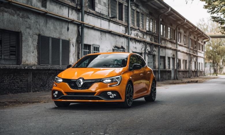 French automobile manufacturer, Groupe Renault, plans to re-enter the Nigeria autoobile market. To ease its re-entry process, the company has signed an agreemnt with Coscharis Motors Plc, one of Nigeria's automobile dealers. The development means Innoson now has more foreign competitors to worry about.