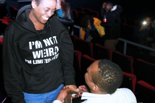 picture of man proposing marriage to his lady