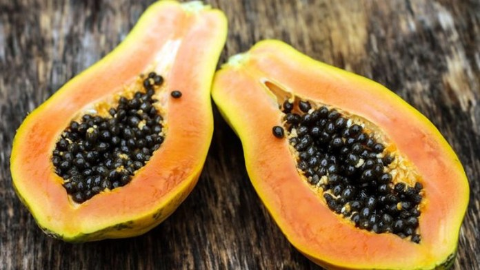 The health benefits of papaya seeds are unbelievable
