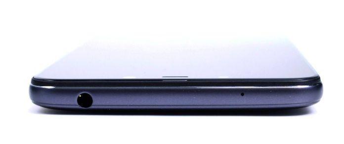 Xiaomi Pocophone F1 top